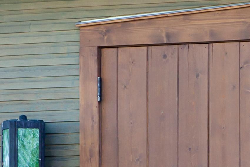 Hinge detail of early American western red cedar door