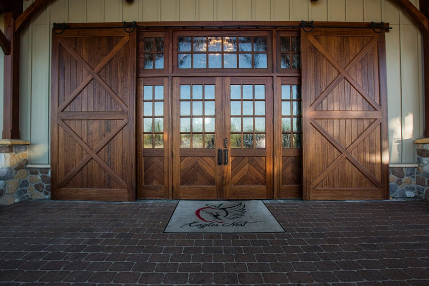A custom barn entry